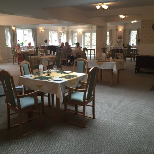 Retired-nurses-home-dining-room-1